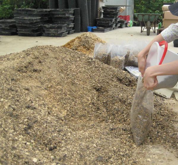 オリジナル培養土の準備